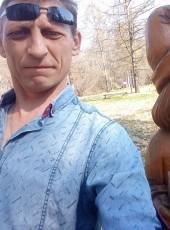 Aleks, 35, Russia, Parfino