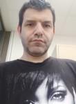 Victor, 49  , Saint-Quentin-en-Yvelines
