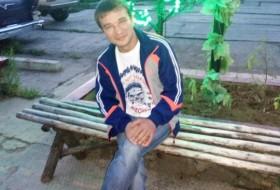 Sergo, 39 - Just Me