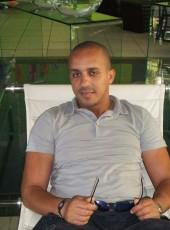 Tarek, 42, France, Montpellier