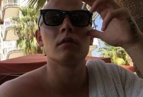 Ivan, 21 - Just Me