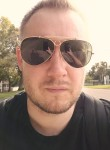 Maksim, 37, Horley