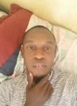 Junior , 30  , Port-au-Prince