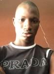 BouBou, 23  , Libreville
