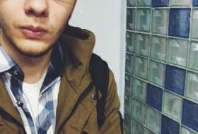 Maxim, 21 - Just Me