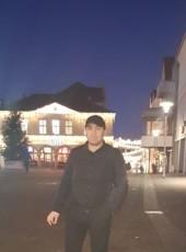 ARA, 41, Germany, Medebach