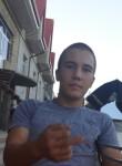Iskandar, 19  , Koson