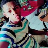 Emanex , 27  , Libreville