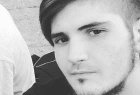 Ruslan, 22 - Just Me