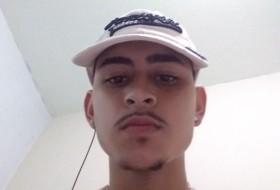 Carlos Eduardo, 20 - Just Me