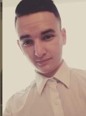 Valentin , 23, France, Luce