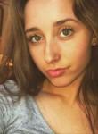 Chloe, 18, Bradley