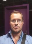 Torn, 40, Riga