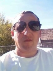 Emil, 41, Romania, Brasov