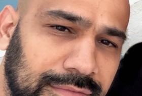 Mehdi, 32 - Just Me