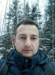 Viktor, 40  , Galati