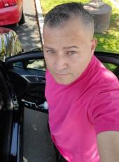 Gato Walter , 44, United States of America, Van Nuys