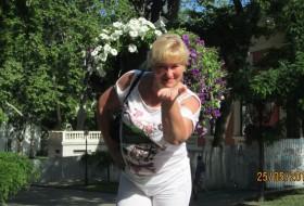 MARGARITA, 56 - Just Me
