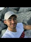 Yusuf , 19  , Esenyurt