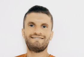 Bogdan, 34 - Just Me