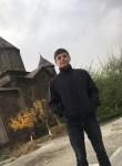Artyom , 18  , Gyumri