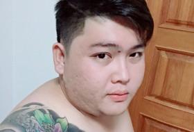 Hong, 31 - Just Me