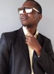 Eyeghe, 18, Libreville