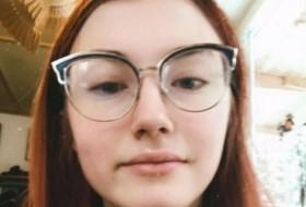sasha, 18 - Just Me