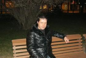 Vladimir, 36 - Just Me