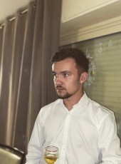 Dorian, 19, France, Tarbes