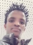 Hamza, 18  , Paris
