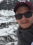 Thibault, 25  , Maurepas