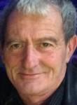 Manu, 60  , Caen