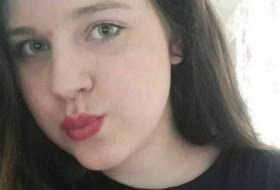 Alyena , 20 - Just Me