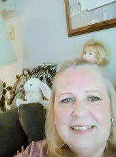 Marly, 61, United States of America, Des Moines (State of Iowa)