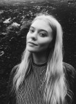 Svanhildur, 22  , Reykjavik