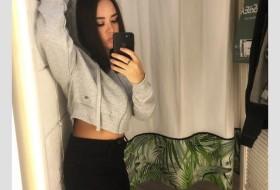 katya, 22 - Just Me