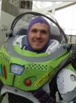 Buzz, 43  , Cupertino