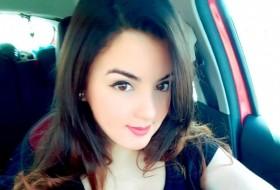 نسرين محمد , 18 - Just Me