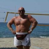 Lev, 40  , Zhovti Vody