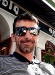Xabi, 32  , Gernika-Lumo
