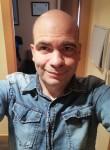 Javier , 43  , Zaragoza