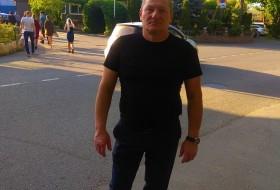Dmitriy , 40 - Just Me