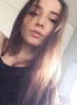 Anya, 23, Prague