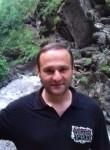 Besik Besik, 40  , Tbilisi