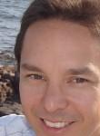 Doan, 42  , Le Cannet