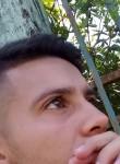 Lucas, 18  , Asuncion