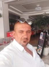 Bobi, 42, Albania, Tirana
