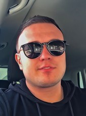 oleg, 32, Russia, Kerch