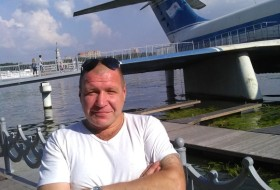 vladimir, 43 - Just Me